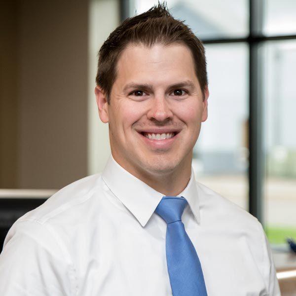 Chiropractor Maplewood MN Nicholas Okins